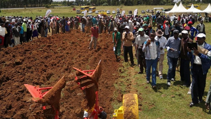 PÖTTINGER demonstrates tillage implements at meeting of the National Potato Council of Kenya