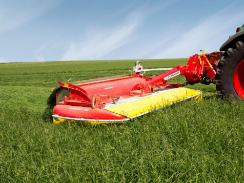 New rear mowers: NOVACAT 262 and 302 rear mowers