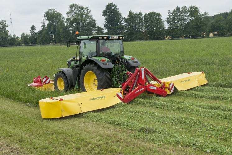 NOVADISC 810 mower combination