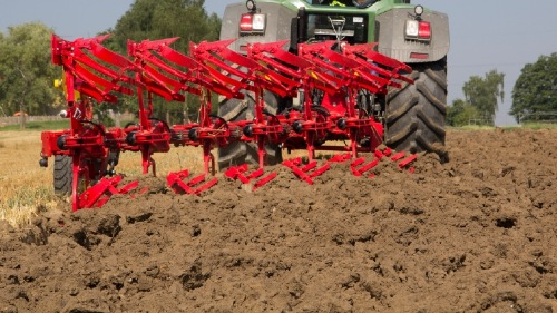 SERVO 45 S: The plough for tough applications