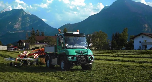 High output rig: Unimog with PÖTTINGER harvesting technology