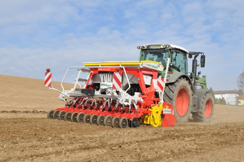 PÖTTINGER drill combinations planting in spring